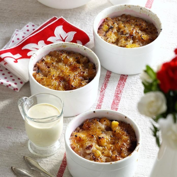 3 cups of oatmeal Brulee with cream.